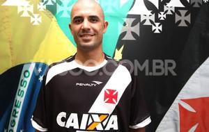 Novo Reforço Zagueiro Douglas Vasco (Foto: Marcelo Sadio / Vasco.com.br)