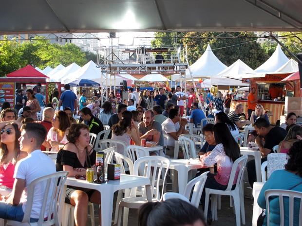 Evento de 'food truck' oferece mais de 20 pratos em Camanducaia, MG