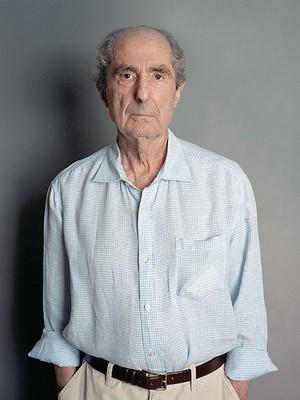 CONSAGRADO O autor Philip Roth em Nova York, em 2010 (Foto: Steve Pyke/ContourPhotos/Getty Images)