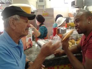 Box de pastel está instalado há nove anos no Mercado Municipal' (Foto: Pedro Carlos Leite/G1)