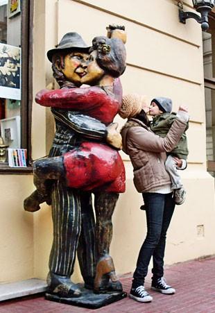 Ana Amaral com o filho Enzo em Buenos Aires (Foto: Arquivo pessoal/Ana Amaral)