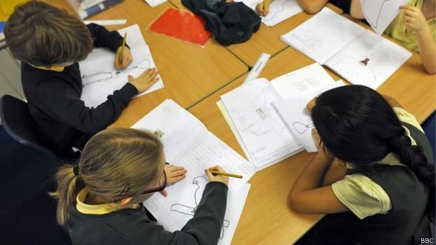 Desenvolvimento de habilidades socioemocionais pode ajudar no aprendizado (Foto: BBC)