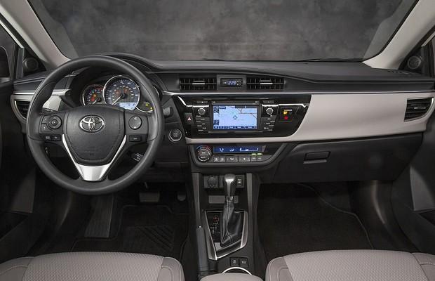 Interior do Toyota Corolla 2014 revela visual rejuvenescido (Foto: Toyota)
