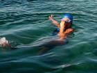 Nadadora que percorreu trecho de Cuba aos EUA vai escrever livro
