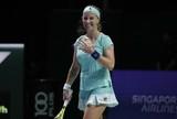 Kuznetsova salva match point e bate Radwanska na estreia no WTA Finals