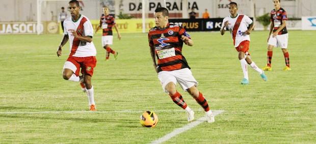 Campinense 1 x 0 Feirense, no Estádio Amigão (6ª rodada da 1ª fase da Copa do Nordeste) (Foto: Magnus Menezes / Jornal da Paraíba)