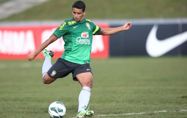 Jean em treino da Seleção (Foto: Mowa Press)