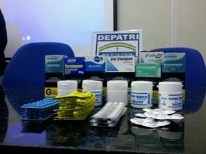 Medicamentos foram apreendidos no Recife (Foto: Kety Marinho / Globo Nordeste)