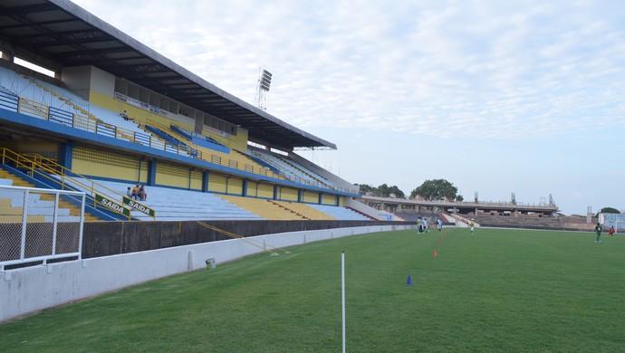 Estádio Colosso do Tapajós, em Santarém (Foto: Dominique Cavaleiro/ GloboEsporte.com)
