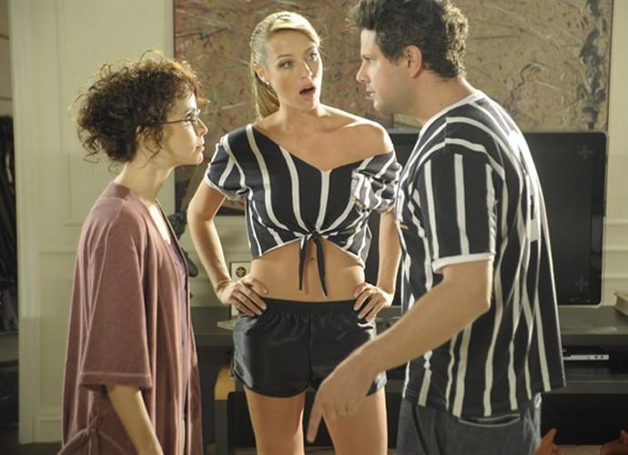 Luana Piovani em cena com Selton Mello e Débora Falabella em 'A Mulher Invisível' (Foto: Renato Rocha Miranda / TV Globo)