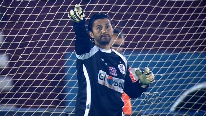 Rodrigo Calaça - goleiro - Itumbiara (Foto: Reprodução / TV Anhanguera)