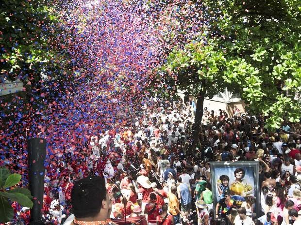 Bloco Imaginô? Agora Amassa anima foliões do Leblon, no Rio (Foto: ARIEL SUBIRá /FUTURA PRESS/ESTADÃO CONTEÚDO)