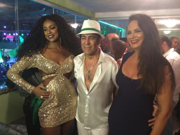 Cris Vianna, Elymar Santos e Luiza Brunte na quadra da Imperatriz, na Zona Norte do Rio (Foto: EGO)