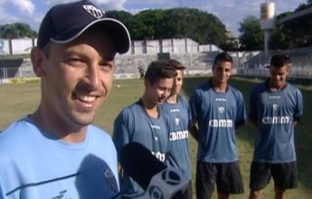 Entre cartões, gols e broncas, gêmeos do Araxá Jr. revelam histórias curiosas