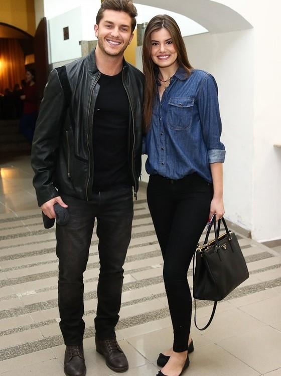 Klebber e Camila: eles vão se casar em cerimônia discreta no ano que vem (Foto: Divulgação)