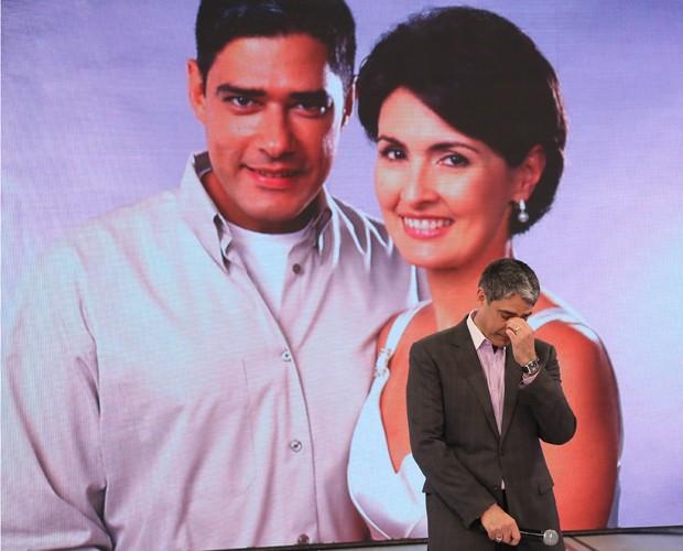 Bonner fica emocionado com homenagem de Fátima Bernardes (Foto: Carol Caminha / Gshow)