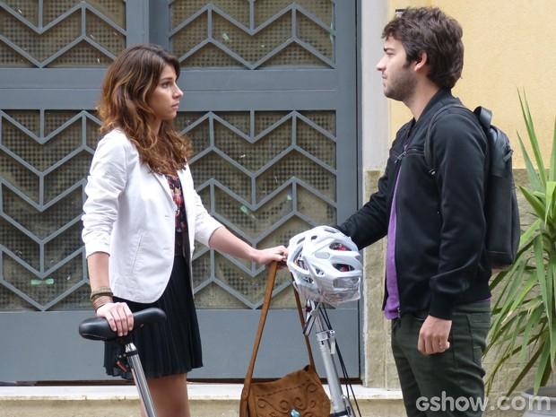 Davi procura Manu e pede para conversar (Foto: Geração Brasil/TV Globo)
