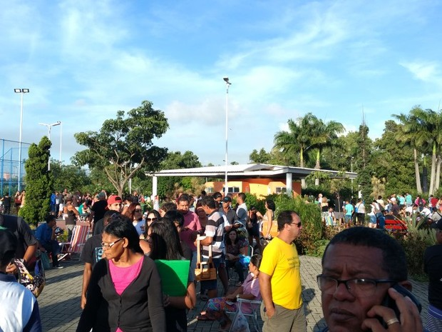 Parque da Cidade fica lotado para vacinação de febre amarela (Foto: André Invilli/ Foto leitor - A Gazeta)