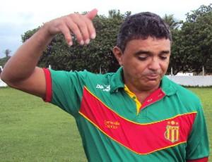 Flávio Araujo, técnico do Sampaio (Foto: Afonso Diniz/Globoesporte.com)