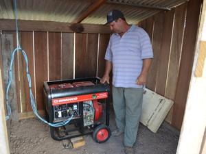 Gerador de energia custou R$ 5 mil (Foto: Vanessa Lima/G1)