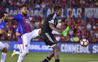 Ex-São Paulo faz pênalti, e Cerro cede empate ao Caracas no Paraguai