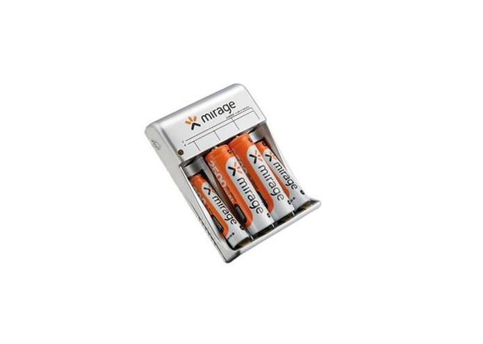 O carregador de pilhas da marca Mirage possui o novo padrão brasileiro de tomadas (Foto: Divulgação)
