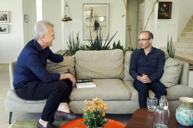 Pedro Bial entrevista Yuval Noah Harari (Foto: TV Globo)