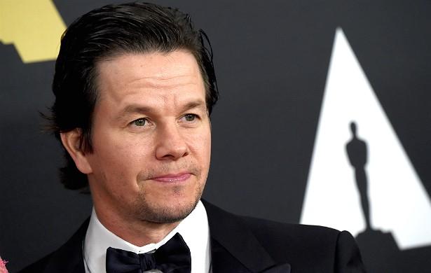 Mark Wahlberg também havia comprado passagem para voar numa das aeronaves que se chocou contra o WTC no fatídico 11 de setembro. O ator simplesmente mudou de ideia e decidiu dar um pulinho em Toronto, no Canadá. Haja sorte! (Foto: Getty Images)