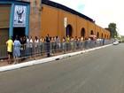 Fãs de Paul formam fila para compra de ingressos do show em Fortaleza
