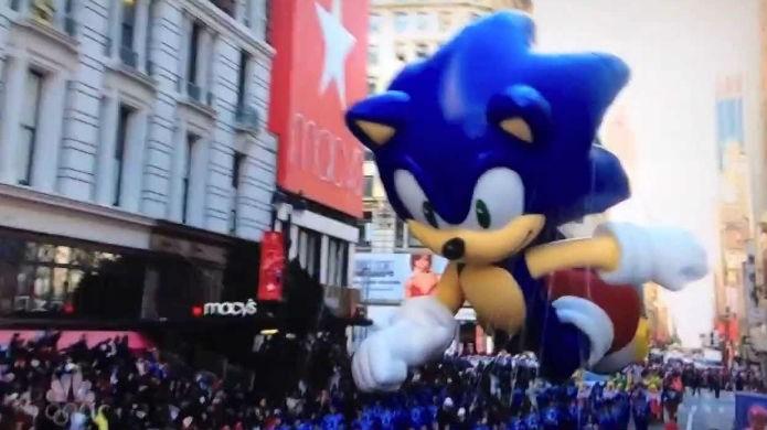 Sonic the Hedgehog na parada da Macys (Foto: Reprodução/YouTube)