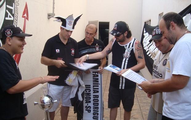 Corintianos de Rio Preto prontos para viajar ao Japão para o Mundial (Foto: Alysson Maruyama/TV Tem)