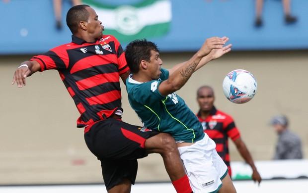 Goiás x Atlético-GO Goianão 2013 Gilson Neto Baiano (Foto: Renato Conde/O Popular)