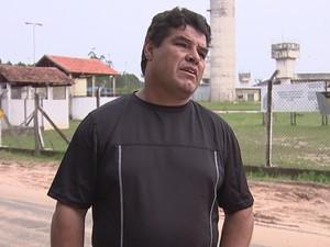 Superlotação também afeta funcionários, reclama sindicalista (Foto: Reprodução/ TV TEM)