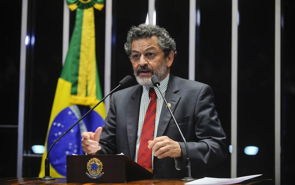 O senador Paulo Rocha (PT-PA), em foto de maio de 2015 (Foto: Marcos Oliveira/Agência Senado)