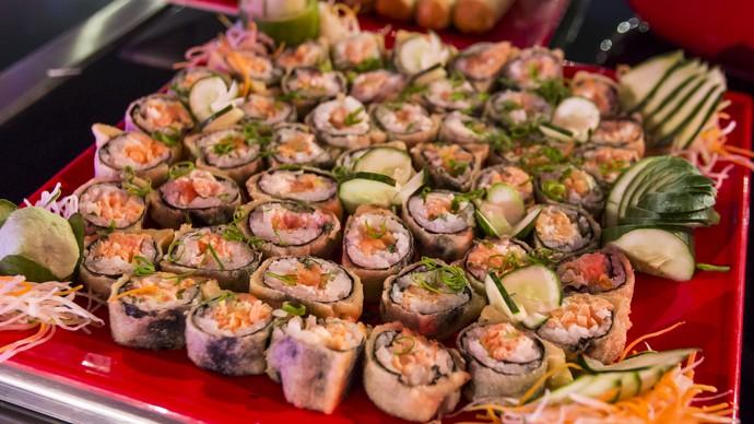 Hot Filadelfia é uma das delícias servidas na Festa Pop Japan (Foto: Artur Meninea/Gshow)
