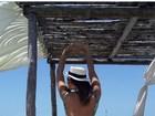 Geisy Arruda mostra bumbum empinado em praia do Ceará