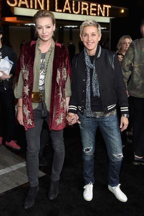 Portia de Rossi e Ellen DeGeneres em evento de moda em Los Angeles, nos Estados Unidos (Foto: Larry Busacca/ Getty Images/ AFP)