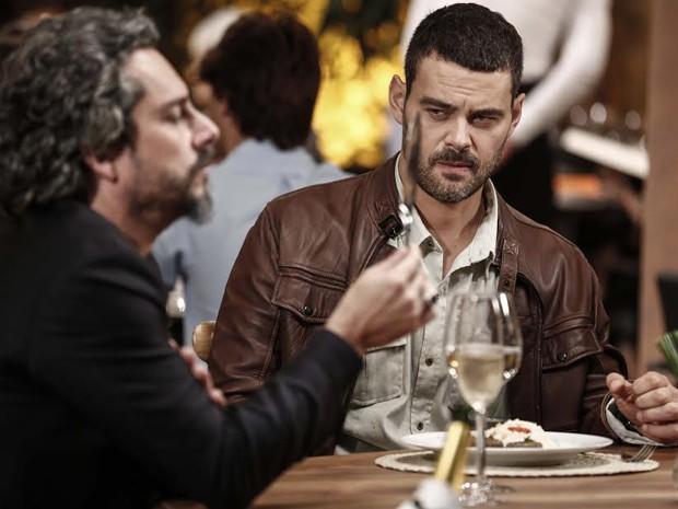 Maurílio insulta Zé Alfredo e ele fica irritado (Foto: Inácio Moraes/ Gshow)