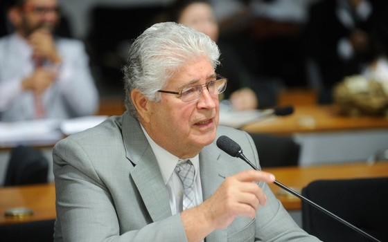 O senador Roberto Requião (PMDB-PR) (Foto: Marcos Oliveira/Agência Senado)