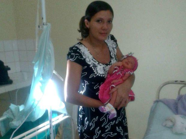 Bebê foi diagnostado com icterícia e precisa passar por exames em Rio Branco (Foto: Arquivo pessoal)