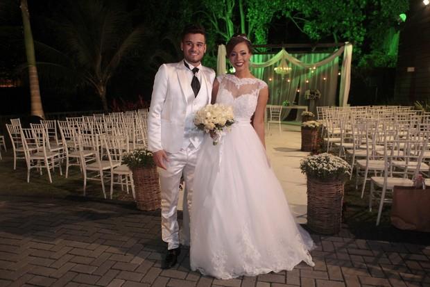 Juliana Diniz e Michel Siqueira se casam na Zona Oeste do Rio (Foto: Isac Luz/ EGO)