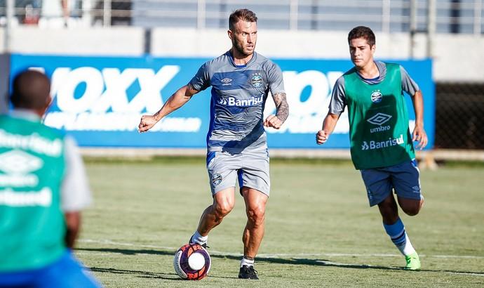 Gastón Fernández treino do Grêmio (Foto: Lucas Uebel/Divulgação Grêmio)