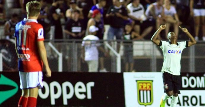 Malcon gol Corinthians Copinha (Foto: Denny Cesare / Agência Estado)
