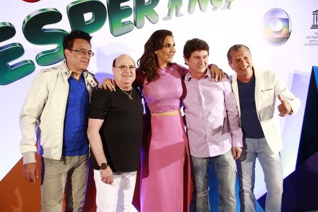 Ivete Sangalo e o grupo Roupa Nova (Foto: Isac Luz/EGO)