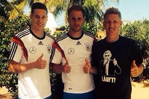 Seleção da Alemanha homenageia Schumacher (Foto: Reprodução)