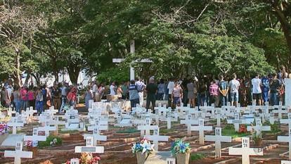 Vítimas de acidente na SP-255 são sepultadas em Araraquara