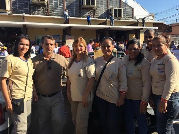 Agente de saúde fala sobre combate e participa de ação com outros servidores (Foto: Gabriela Pavão/ G1 MS)