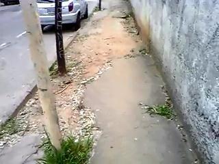 Morador se preocupa com falta de acessibilidade (Foto: Marcelo Motta/VC no MGTV)