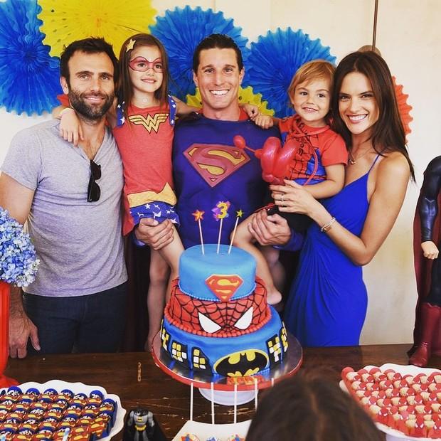 Alessandra Ambrósio comemora aniversário do filho (Foto: Reprodução/Instagram)