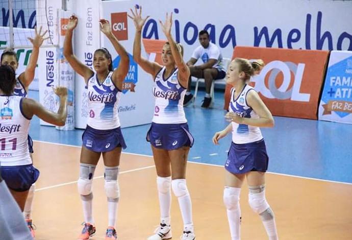 Nestle Osasco vence Praia Clube e encosta no rival
